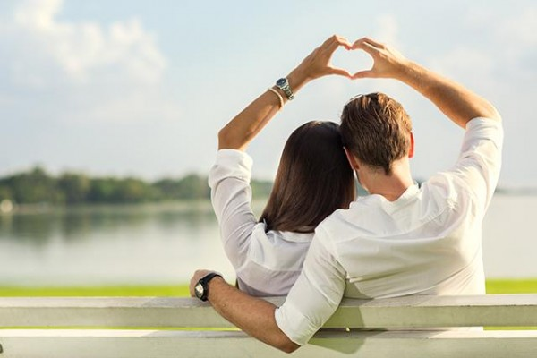 Attract Love With Hypnosis